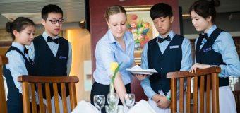 Để trở thành một nhà quản lý khách sạn, bạn cần những gì?